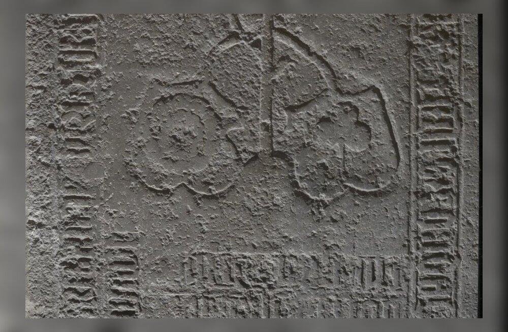 Risti kirikust leitud hauaplaat