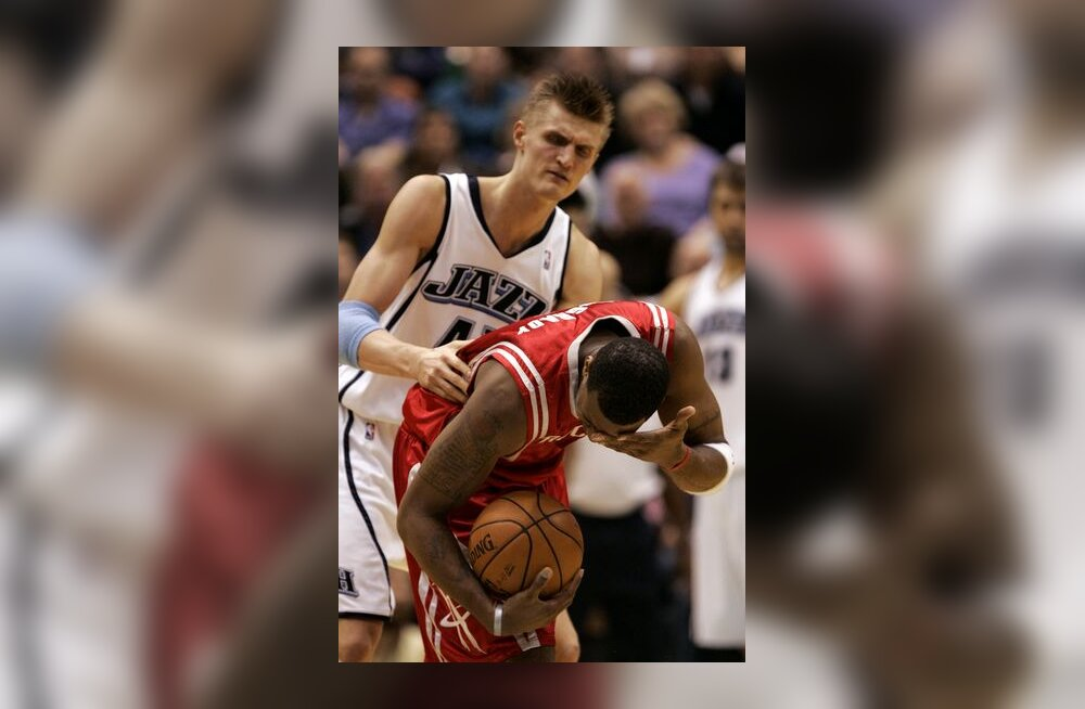 Utah Jazzi Andrei Kirilenko ja Houston Rocketsi Tracy McGrady