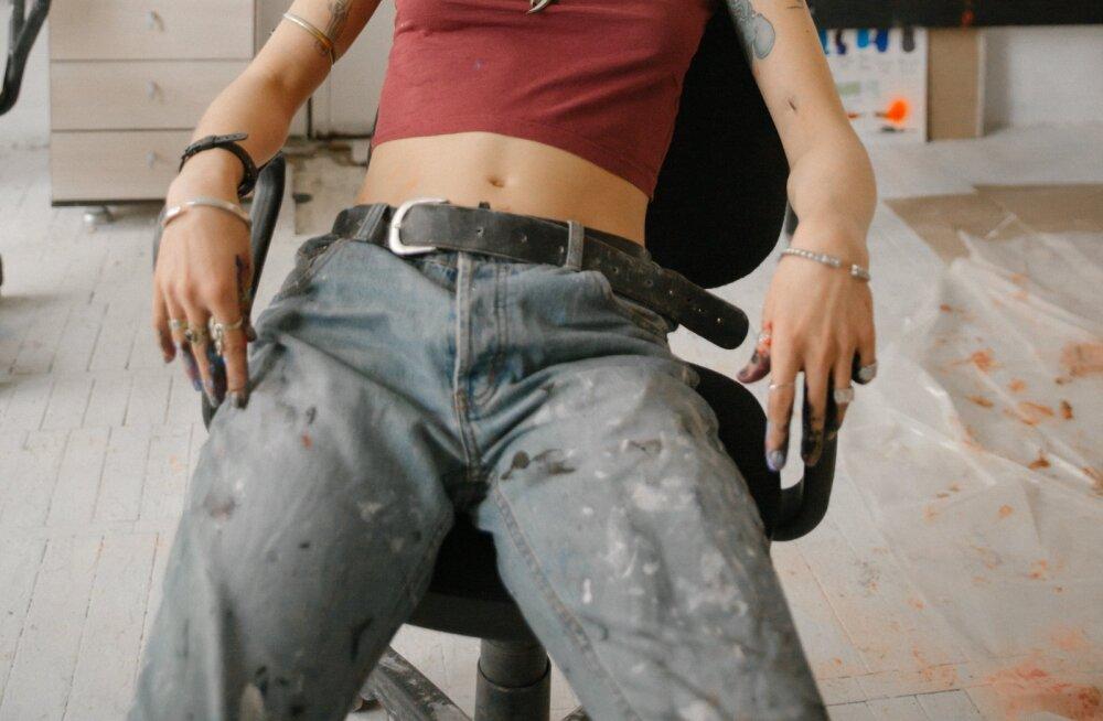"""Gucci начал продавать """"грязные"""" джинсы почти за 700 евро"""