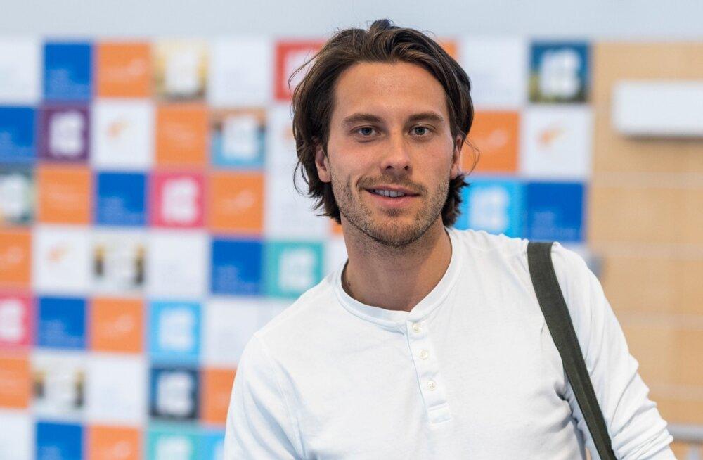 Victor Crone saabus tagasi Eestisse