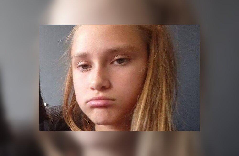 ФОТО: Полиция ищет сбежавшую из дома 14-летнюю Лизауру