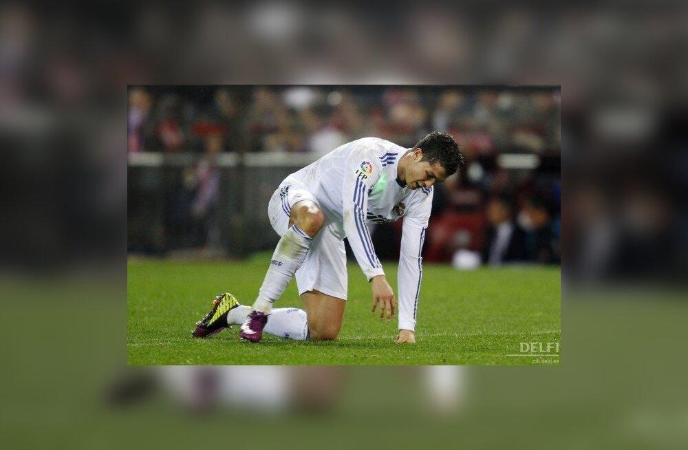 VIDEO: Madridi Real andis võidu käest. Kaks mängijat ja Mourinho eemaldati!