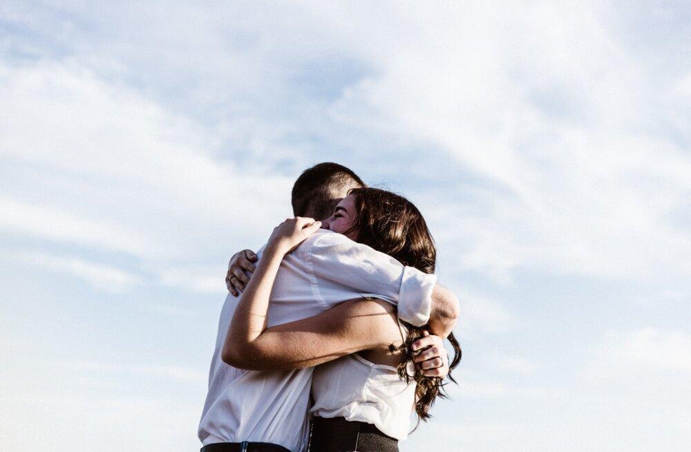 Naine tunnistab: põhjus, miks ma otsustasin oma eksiga sõbraks jääda, peitub sellest, kuidas ta mu maha jättis