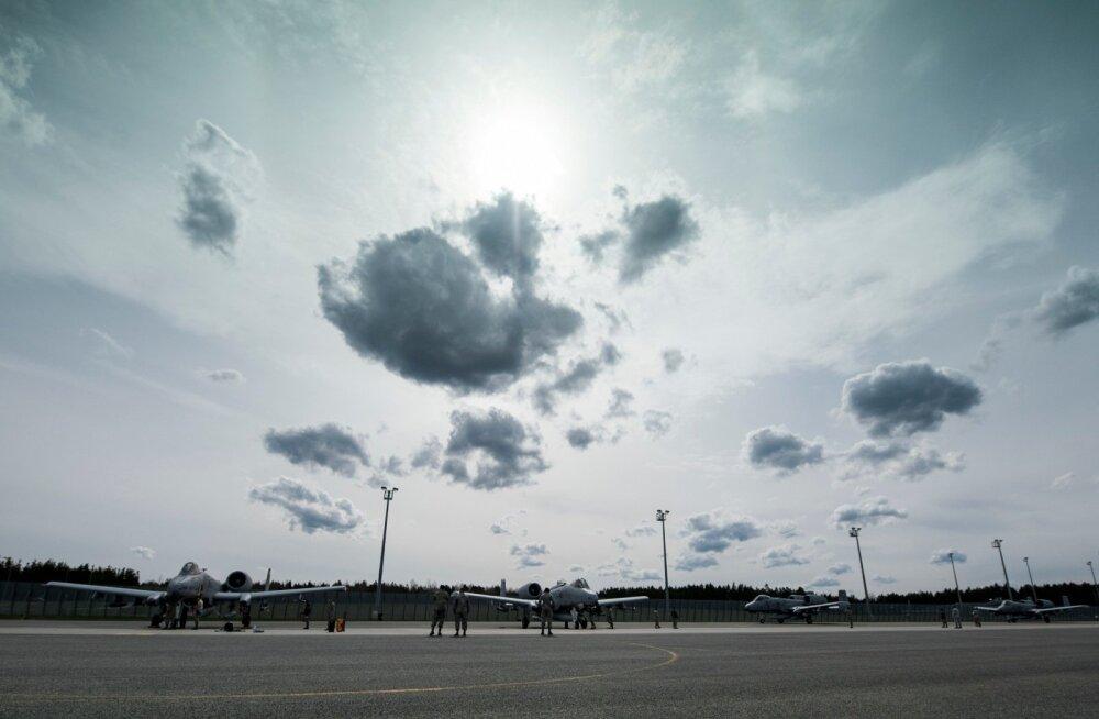 Ämari lennuväljal maandusid A-10 Thunderbolt II hävituslennukid