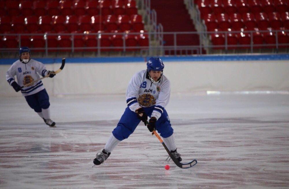 Eesti jääpallikoondislane mänguhoos
