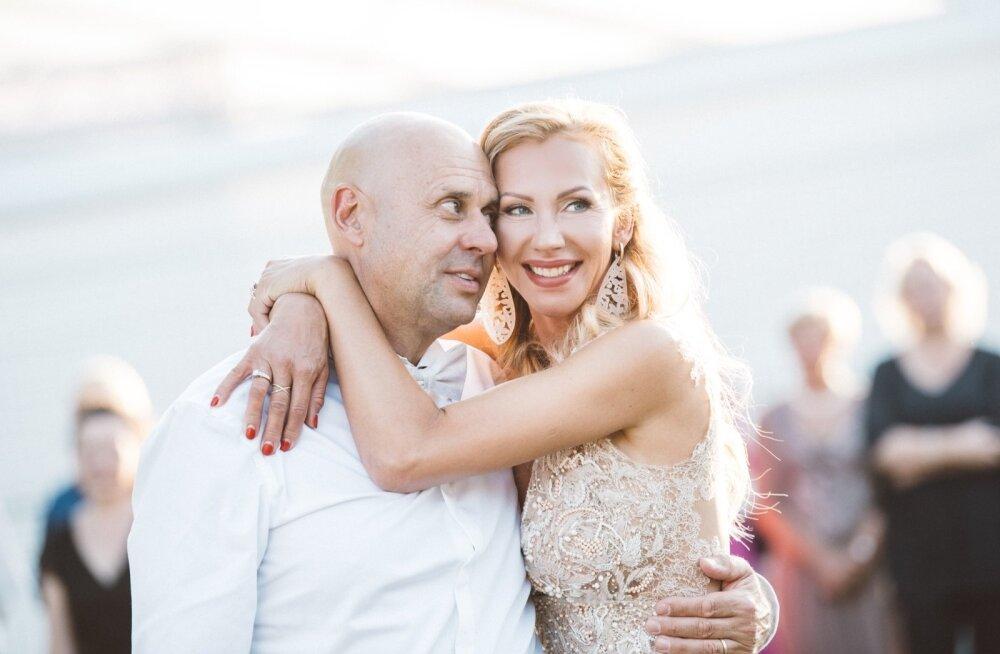 24 tundi pulmapidu | Kristina Viirpalu ja Even Tudebergi igaveste mesinädalate algus: ilusad sõnad, uhked autod ning muljetavaldav seltskond meilt ja mujalt!
