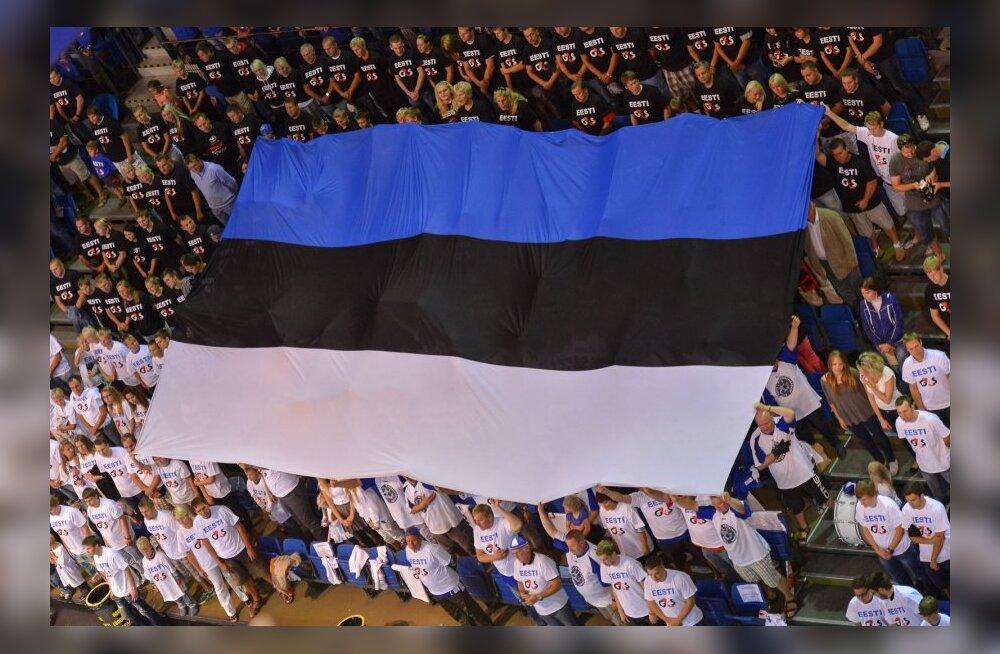 Eesti lipp korvpallikoondise mängul