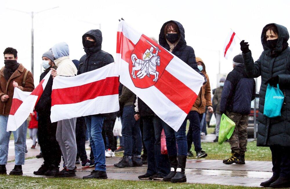 ВИДЕО | Протесты в Беларуси: оппозиция провела сегодня массовые акции в новом формате. Задержаны сотни участников