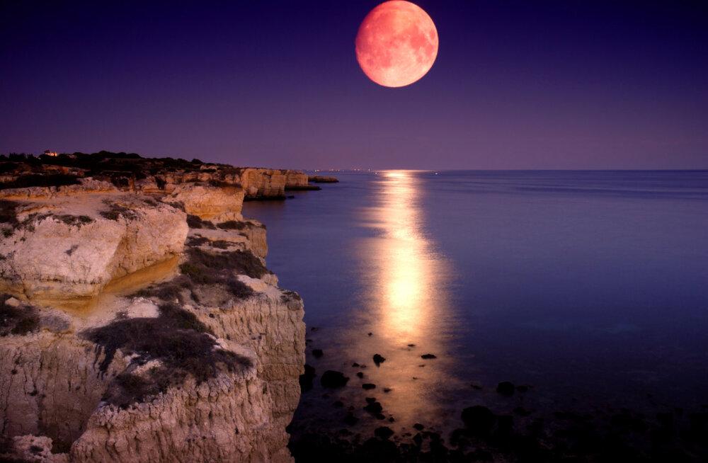 Täna taevas kõrguv Kaljukitse märgi täiskuu toob kaasa pingestunud inimsuhteid ning suurenenud nõudlikkust enda ja teiste suhtes