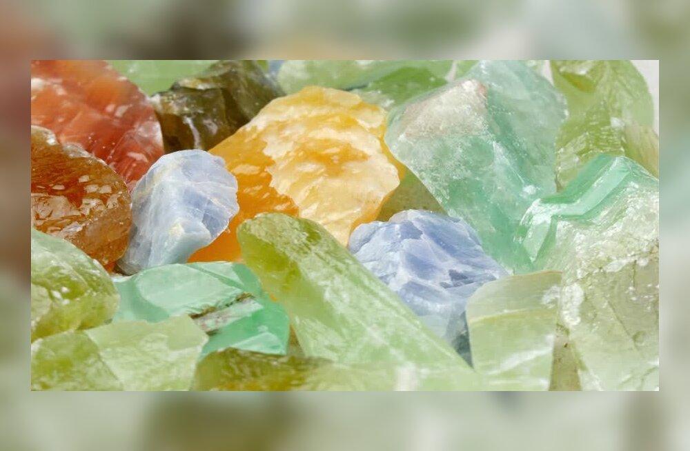 Kaltsiit – kristall, mis puhastab väsinud energiast ja loob harmooniat