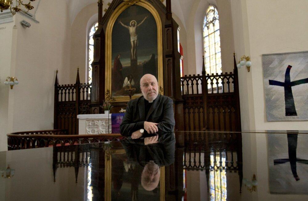 Jaani kiriku vaimulik Arne Hiob