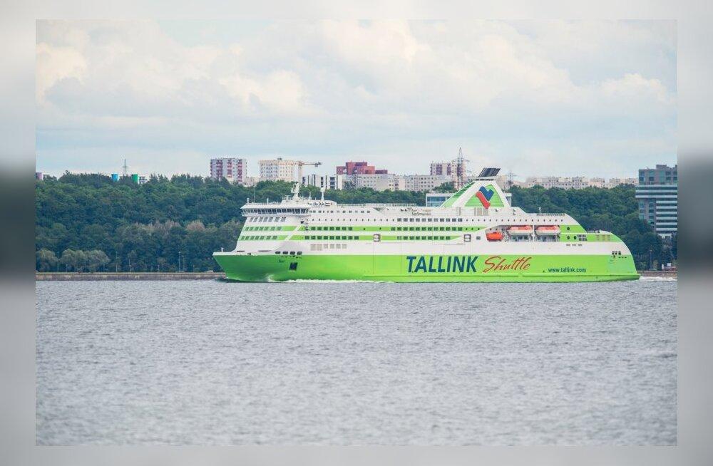 Tallinki reisijate arv vähenes.