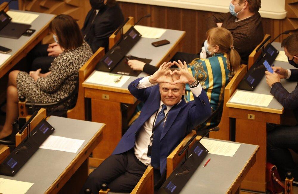 Рийгикогу проголосовал против проведения референдума о браке — центристы его не поддержали