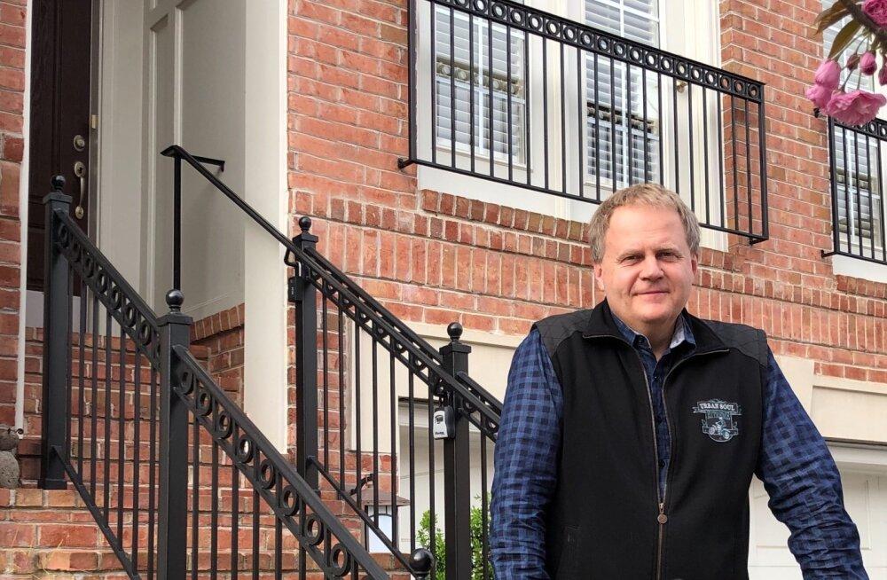 Peter Lõhmus oma kodu väraval. Ta töötab kodukontoris nagu paljud teisedki. Lõhmus ütleb, et finantsturud hakkavad stabiliseeruma, aga pole kindel, kui kauaks.