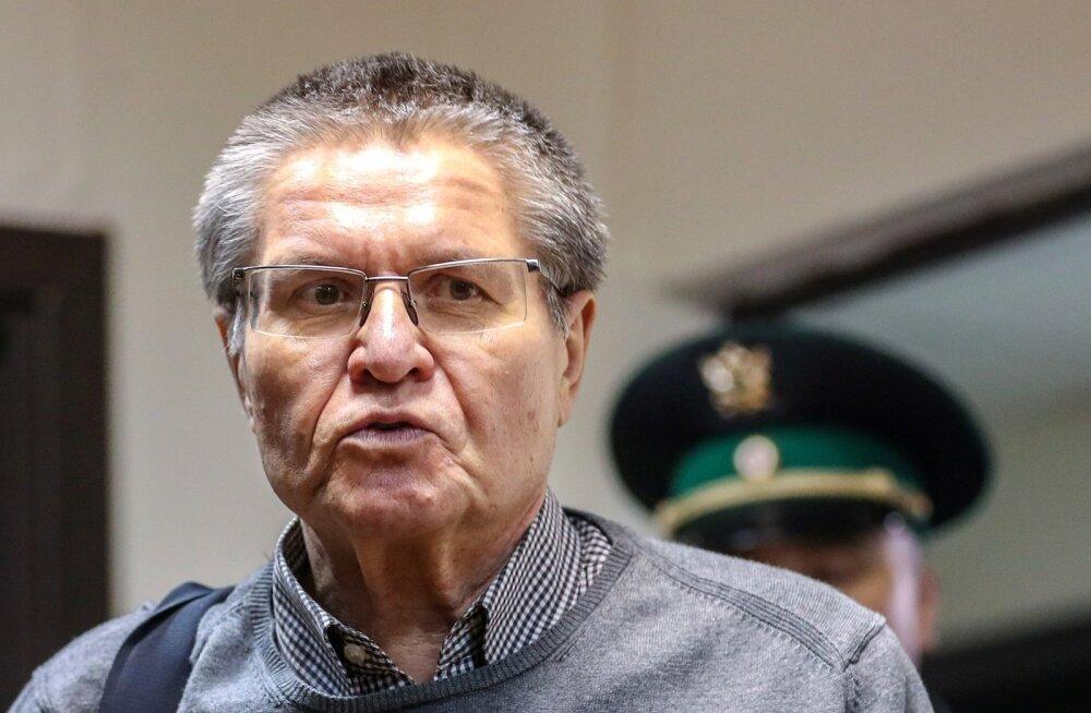 Süüdistaja nõuab Venemaa endisele majandusarenguministrile altkäemaksu eest 10 aastat range režiimiga koloonias