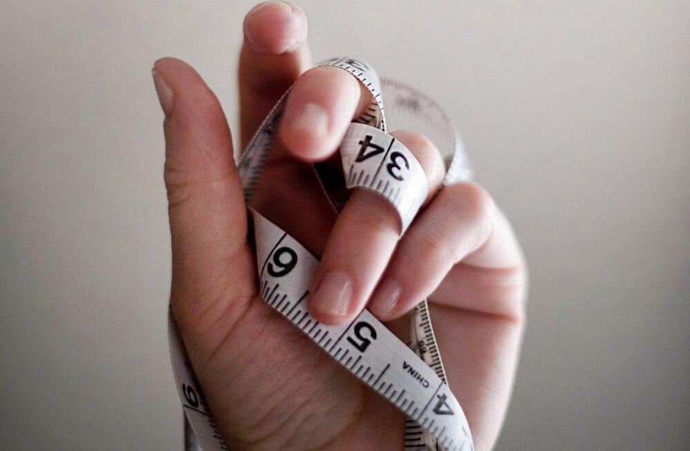 Paar korda nädalas aeroobikat ei ole piisav, et kulutada iga päev kaheksa tundi laua taga istuva inimese kaloreid ehk soovitused, kuidas saledaks saada