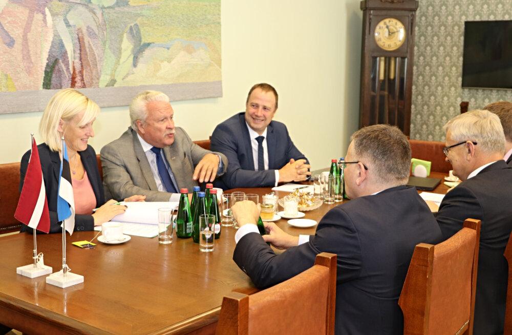 Eile kohtunud Eesti ja Läti maaeluministrid jagasid kogemusi põua teemal