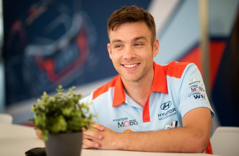 Hayden Paddon istub tagasi Hyundai WRC autosse