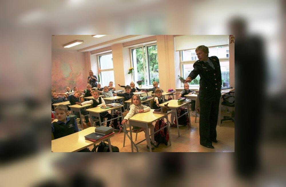 Правительство не разрешает муниципальным частным школам выбирать язык обучения