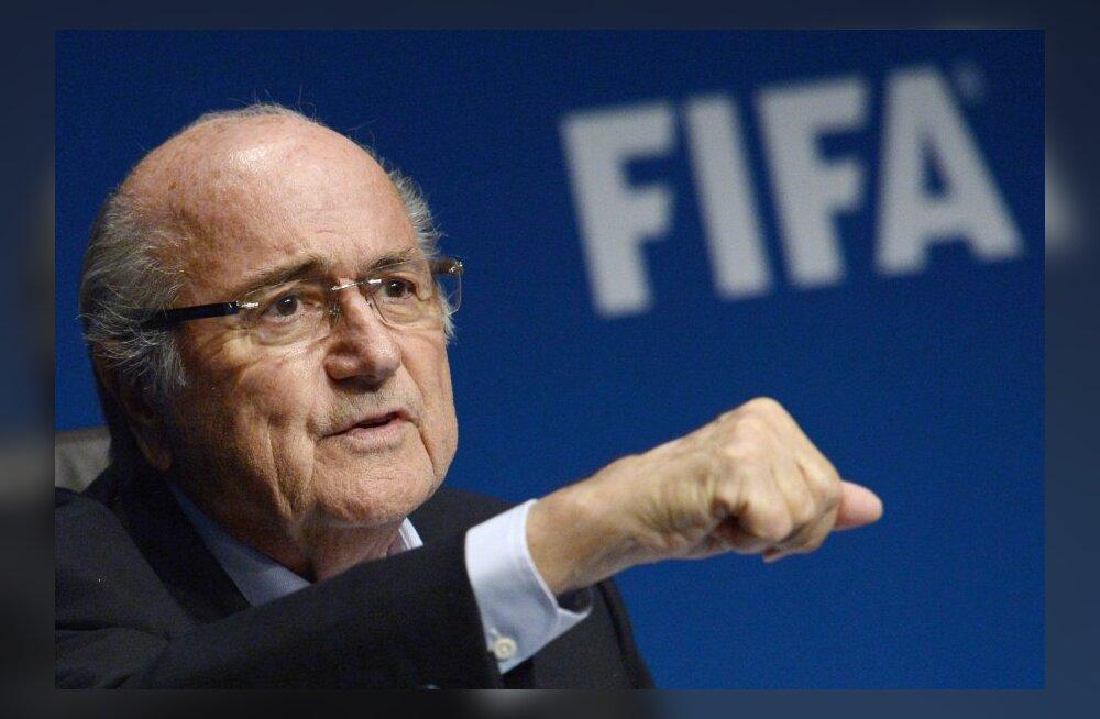 Märulipolitsei kaitses Sepp Blatterit protestivate üliõpilaste eest