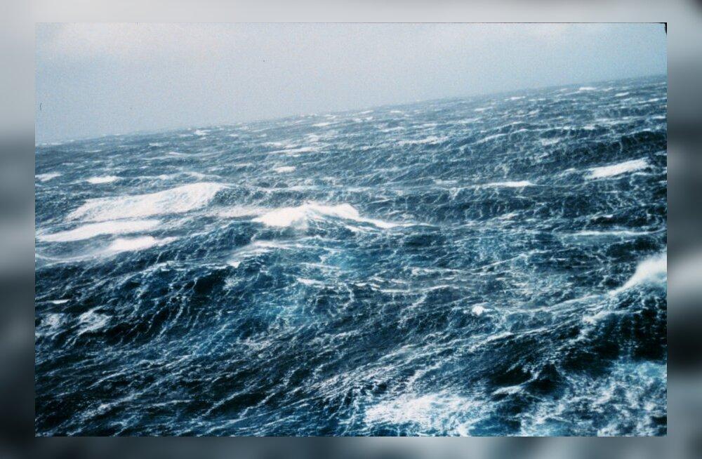 Pilvelõhkuja-suurused hiidlained ookeanipõhjas kujundavad kliimat