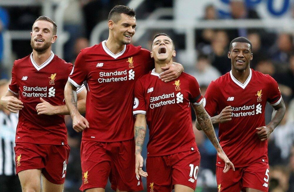 Liverpooli mängijad tähistamas Philippe Coutinho (paremalt teine) väravat.