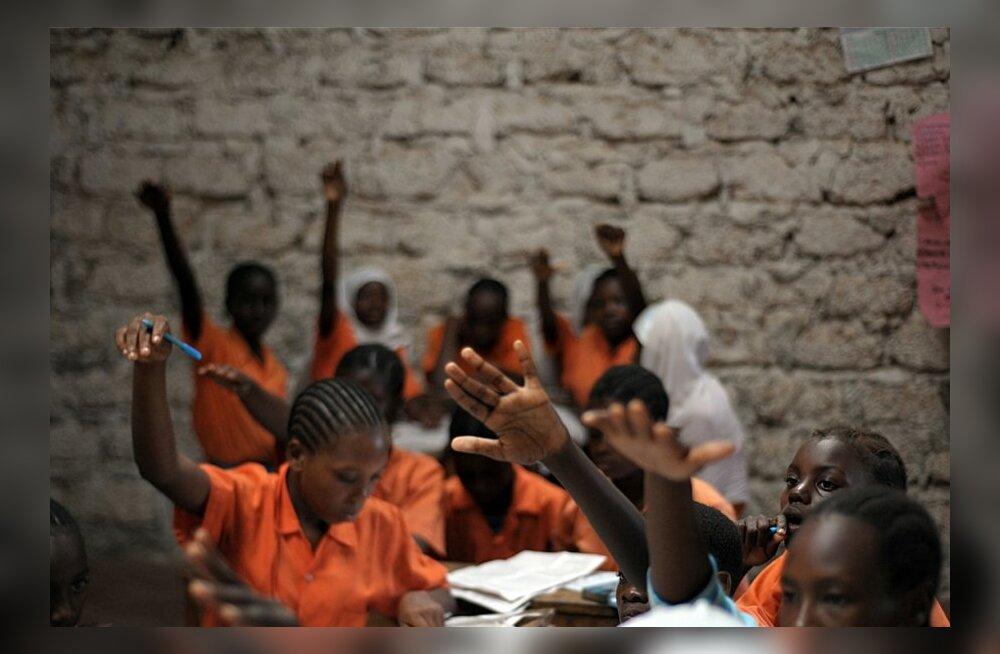 """""""Kommionude"""" tõttu on 28% Lõuna-Aafrika koolitüdrukutest HIV-positiivsed"""