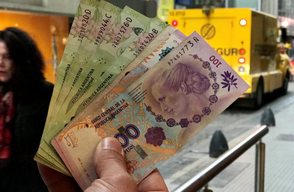 Argentiina sattus hätta. Rahvusvaluuta kukkus