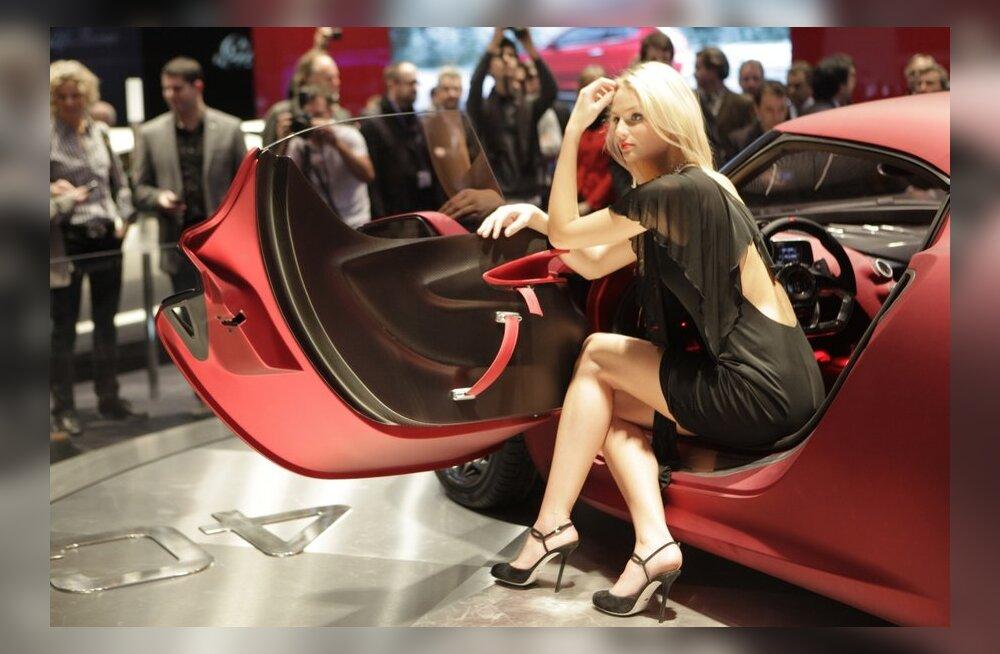 Alfa Romeo 4C tuleb järgmisel aastal