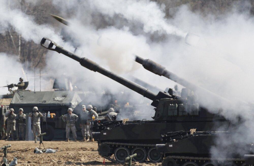 Ajakirjast Sõdur: suurtükid paugutavad edasi