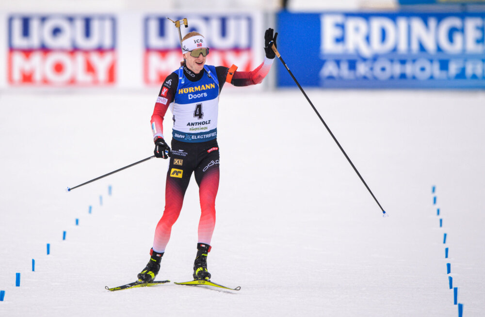 Йоханнес Бё на финише гонки с общего старта