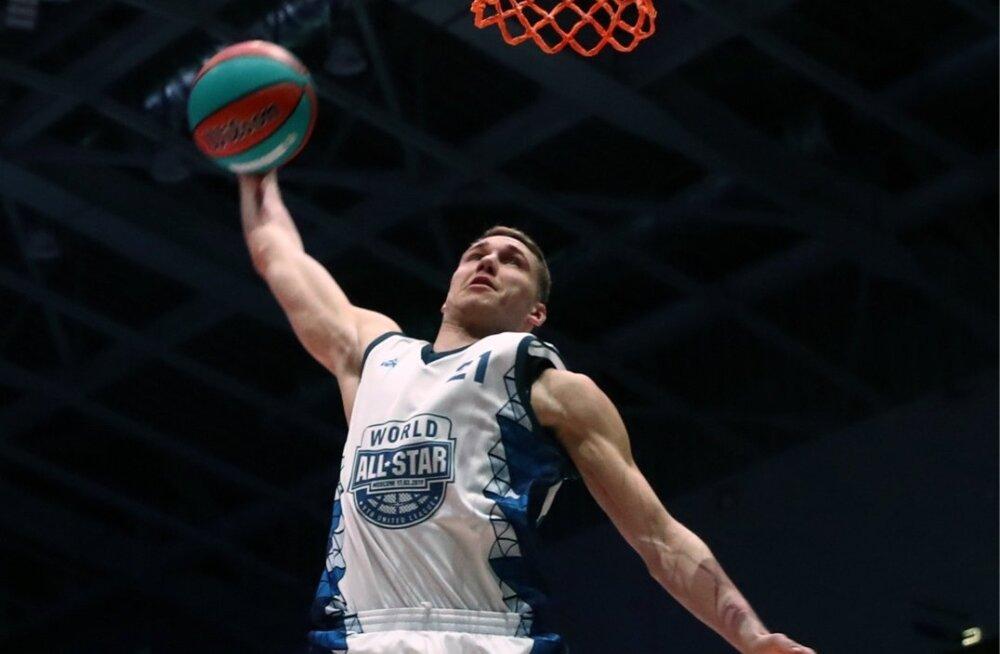Janari Jõesaar Moskvas Ühisliiga Tähtede mängul.