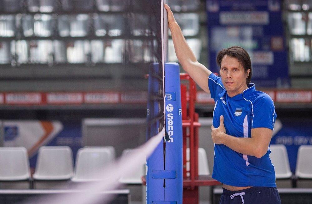 Eesti võrkpallikoondisega head tööd teinud Gheorghe Creţu jätkab rahvusmeeskonna juhendamist.