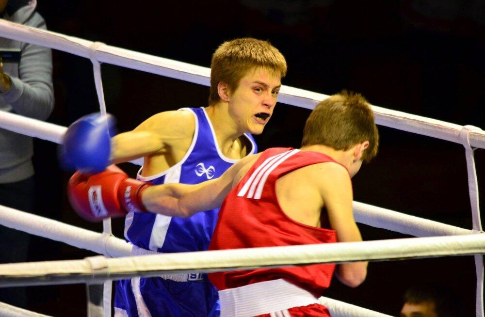 Kirill Serikov ründamas vastast
