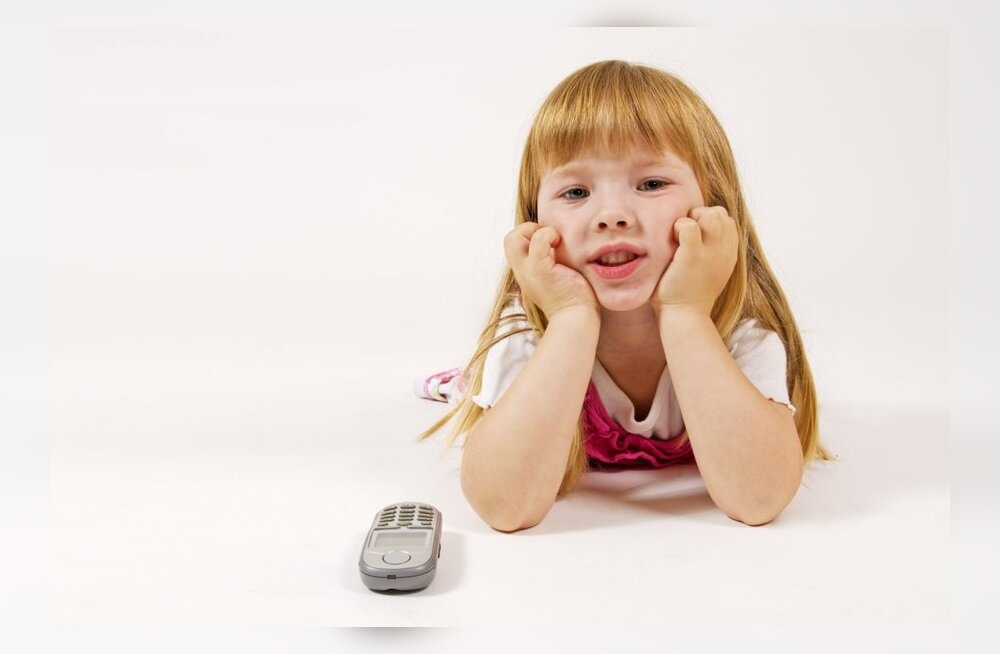 Nõuanded, mida vanem peaks esimese mobiili saanud lapsele jagama