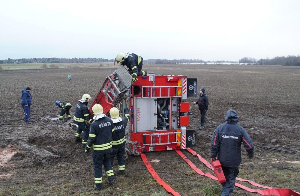Mart Helme läheb avariisse sattunud päästjatele haiglasse külla