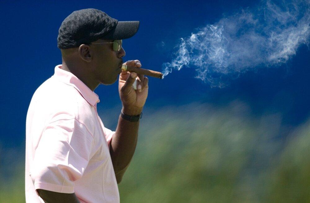 Michael Jordan võib muretult sigarit popsida, sest on ajaloo rikkaim sportlane.
