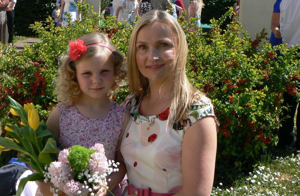 Nelja lapse ema Kättlin Küttis algajatele koolisaatjatele: jääge rahulikuks, aeg loksutab kõik paika