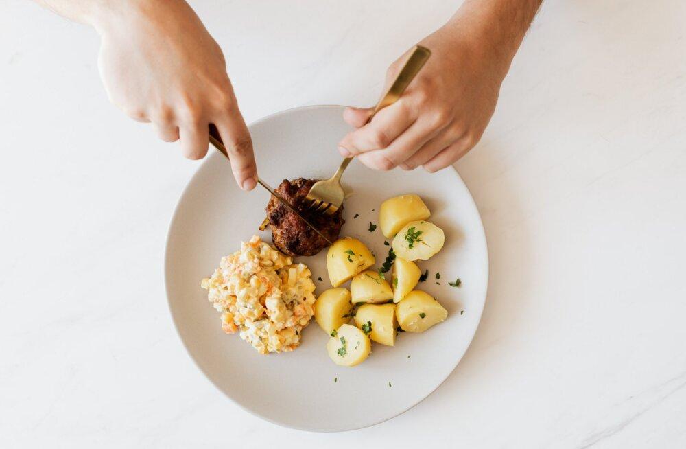 Kui sa lõpetad söömise õhtuti enne seda kellaega, hakkavad kilod vaikselt, aga kindlalt kaduma
