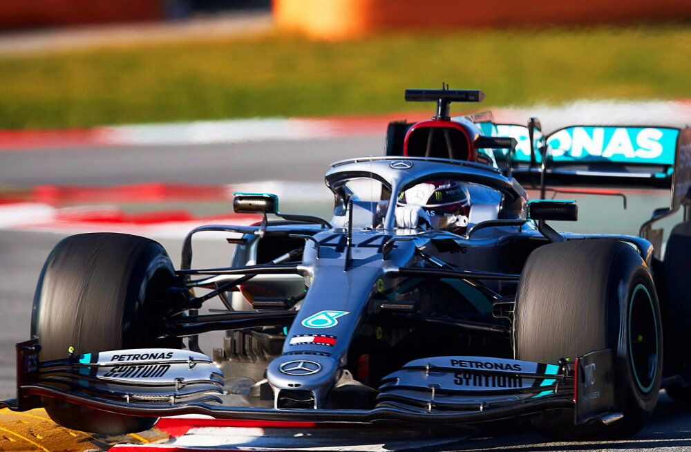 VIDEO | Mercedes leidis reegliteraamatus lünga? Hamiltoni auto pardakaamerast nähtu jahmatas F1 maailma