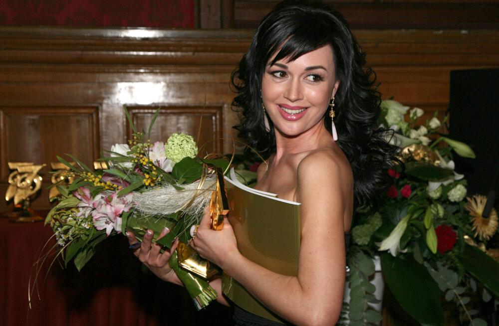 Sureva vene näitlejatari foto eest on pandud välja ulmeline summa