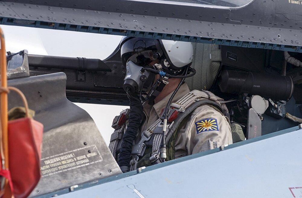 Kaitseminister Šoigu: allatulistatud Vene lennuki tüürimees toodi elusa ja tervena Vene baasi