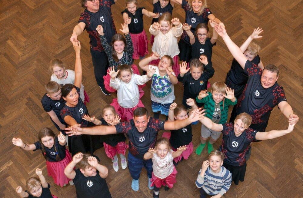 Virumaa tantsuansambli Tarvanpää pererühm tõi rahvatantsu juurde mitmeid peresid, kes senini sellest rõõmust eemal olnud.