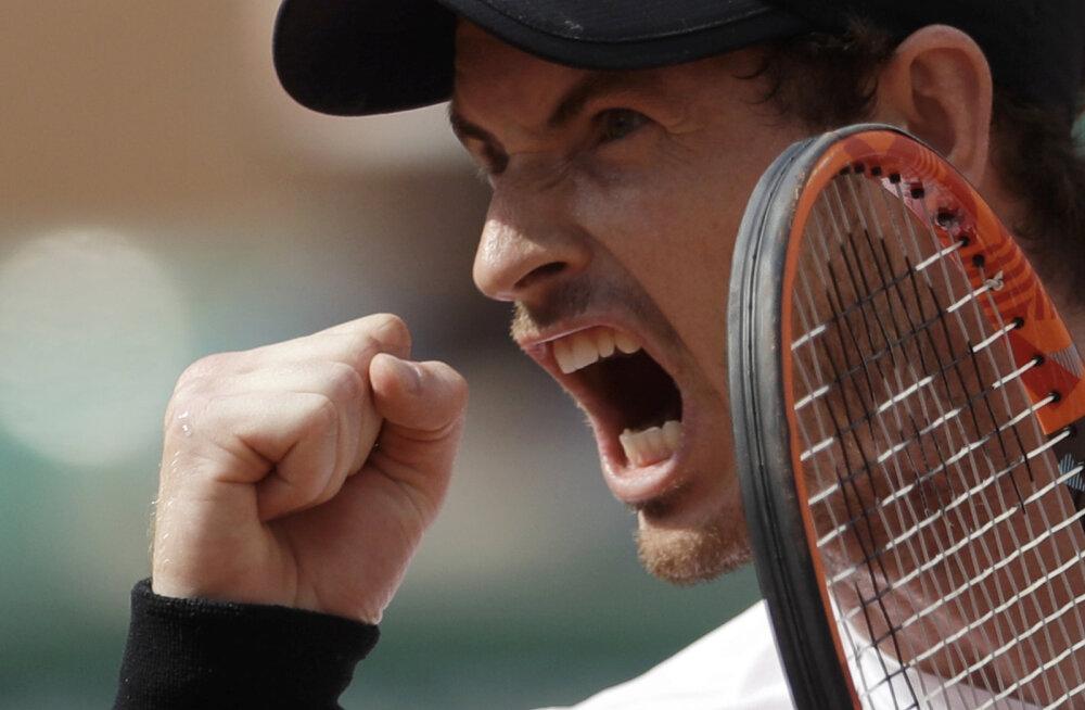 Esireket Murray maadles Slovakkia tennisistiga kolm ja pool tundi