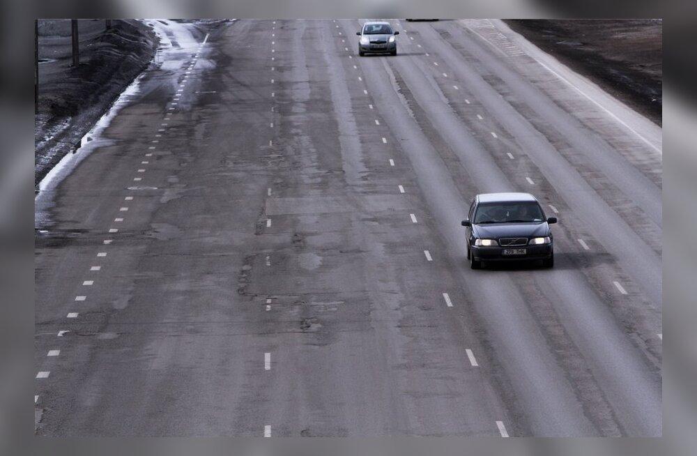 Augud Laagna tee asfaltkattes