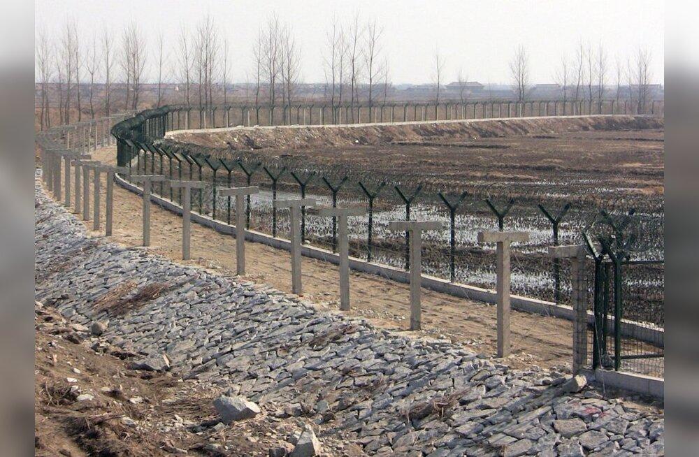 Hiina ehitab nälgiva Põhja-Korea piirile kõrgema tara