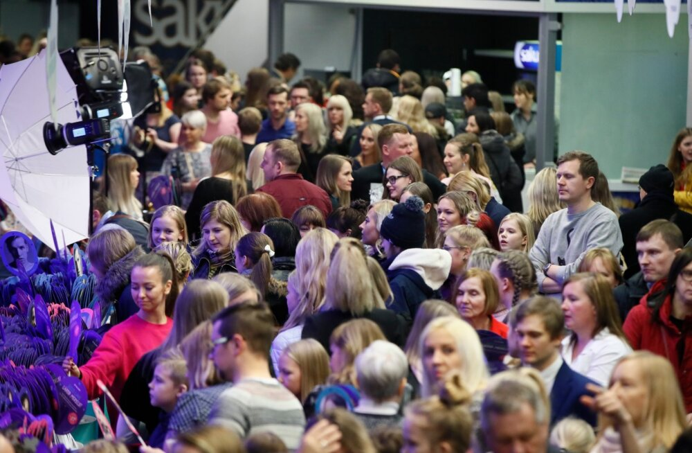 FOTOD   Vaata, kes saabusid Eesti Laulu suurejoonelisele finaalshow'le oma lemmikutele kaasa elama