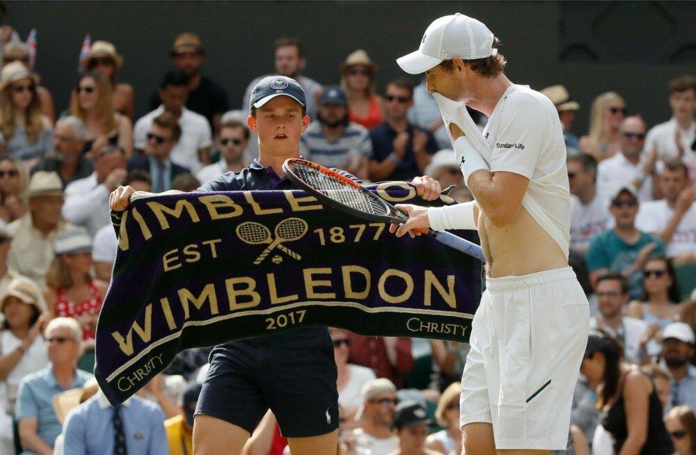 Andy Murray võib küll öelda, et tal pole uute reeglite vastu midagi, kuid servide vahel ta end rätiga kuivatada ei saaks.