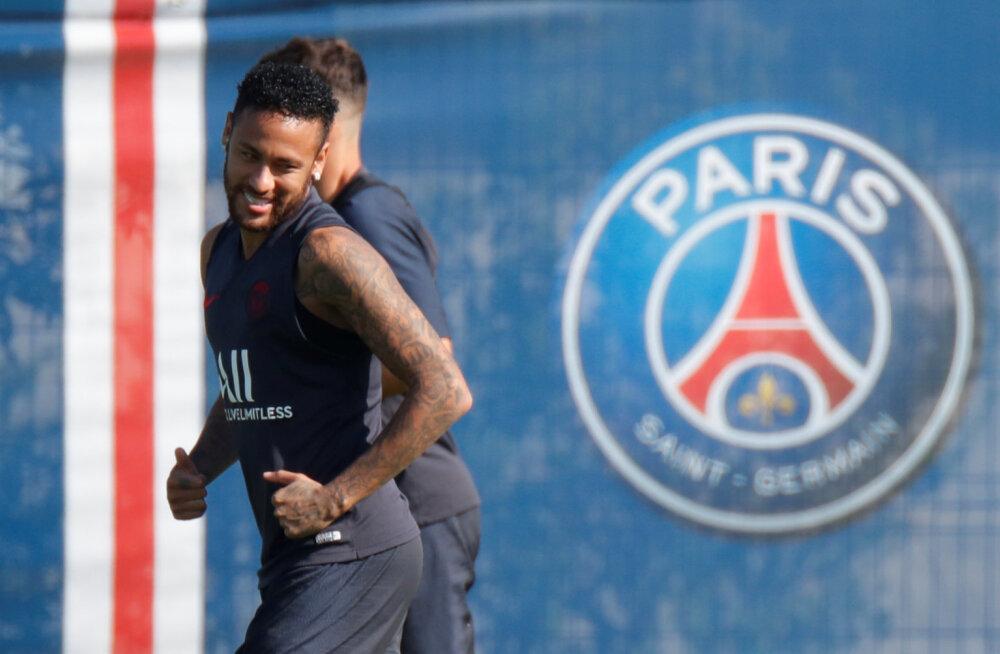 Cavani ja Mbappe vigastused seavad Neymari klubivahetuse löögi alla