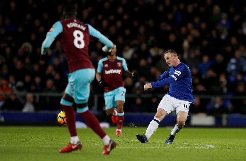VIDEO | Milline värav! Mütsitembuga hakkama saanud Wayne Rooney skooris poolelt väljakult